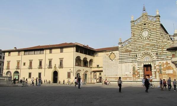 Prato la tre giorni della bozza eccolatoscana for Piazza duomo prato