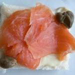 Tartine salmone e capperi