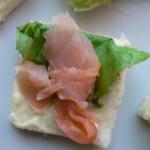 Tartine salmone affumicato e insalata