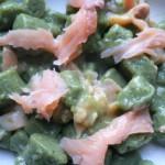 Gnocchetti di patate e spinaci al salmone - Giusep