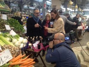 Un momento delle riprese al Mercato Albinelli di Modena