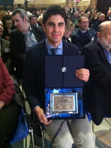 L'enologo Francesco Versio con il Premio Gambelli 2015