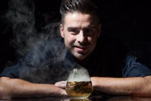 Bartender Jimmy Andrea Montanari (detto Jimmy il druido) (1)