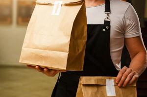 Food delivery: sette regole per mangiare bene e in sicurezza